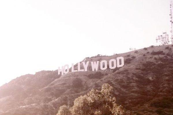 Hollywood-Lächeln: Intensive Pflege & weiße Zähne